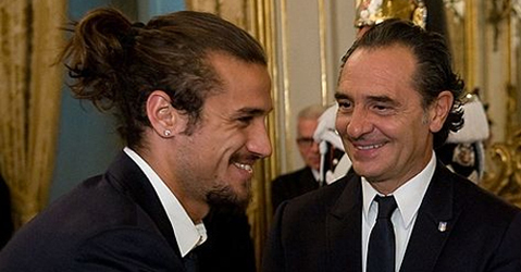 Pablo Osvaldo, left, with Cesare Prandelli